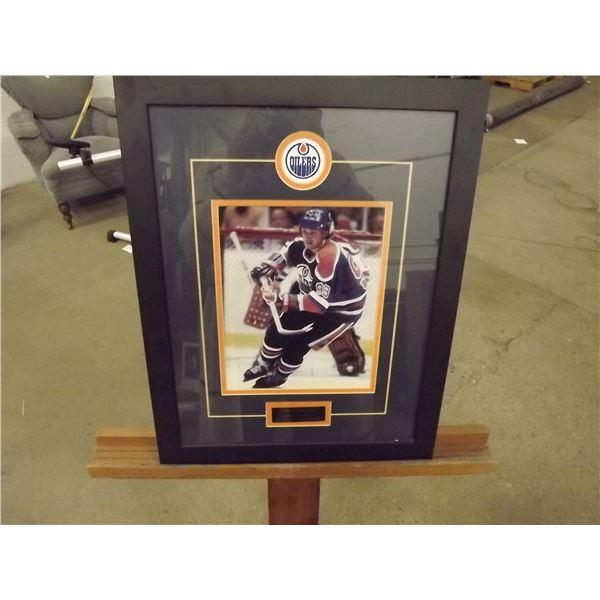 Wayne Gretzky Edmonton Oilers Framed Photo. 1999 introduction to Hall of Fame (D&M)
