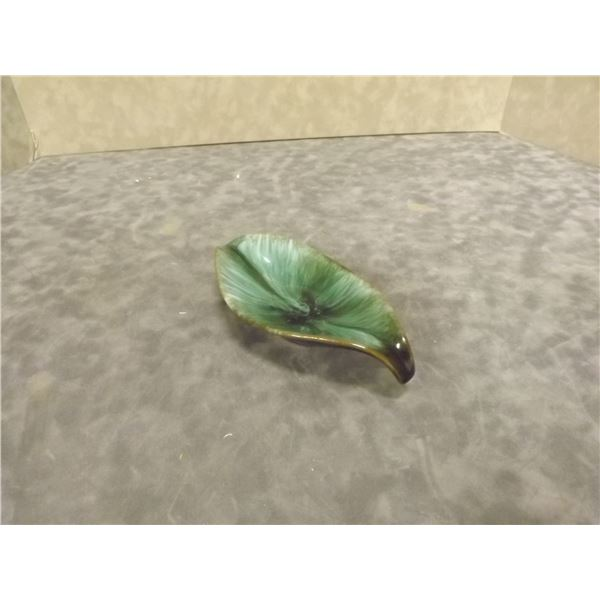 Blue Mountain Handcrafted Pottery Small leaft shaped bowl Marked (AL)
