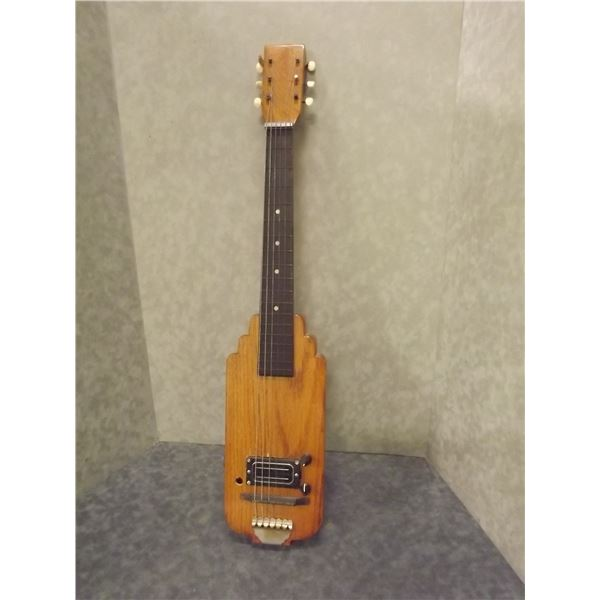 Vintage Steel lap guitar electric (O)