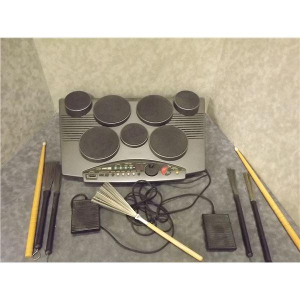 Yamaha digital drum with drum sticks (O)