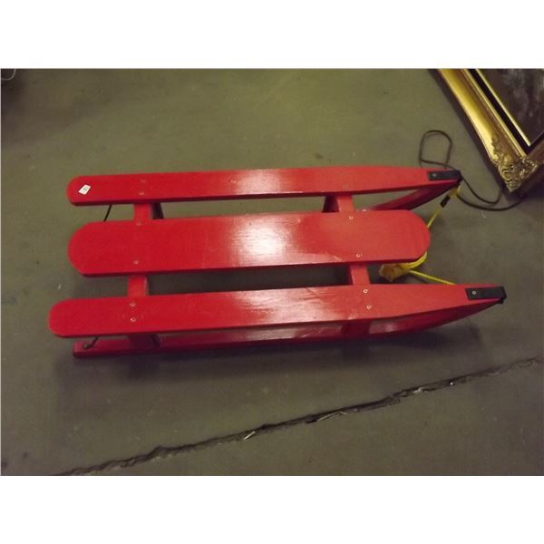 Vintage Red sleigh (PM)