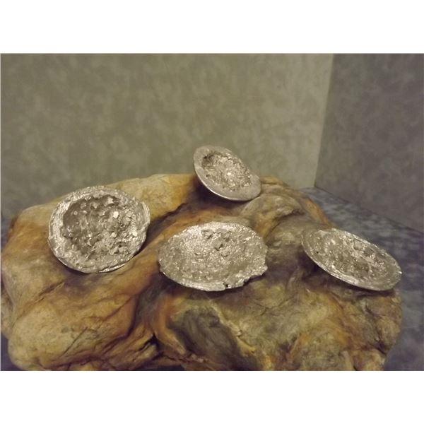 4 Bismuth & Silver crystal Eggs. Silver color (O)