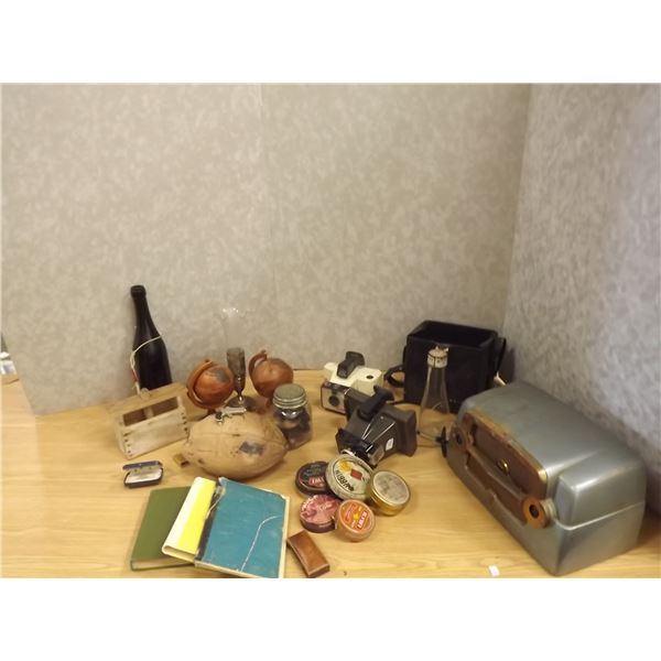 Lot of miscellaneous collector items (O)
