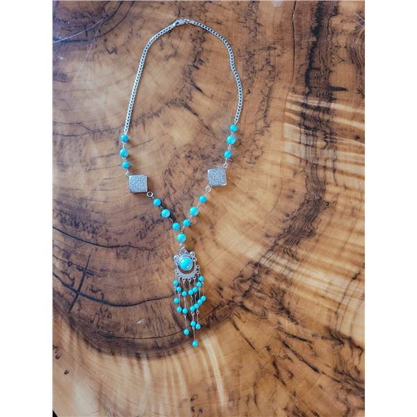 14k and 10kt white gold turquoise design necklace (O)