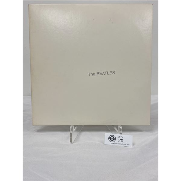 The Beatles The White Album. Includes The 4 Protrait Photos In Outer Bag