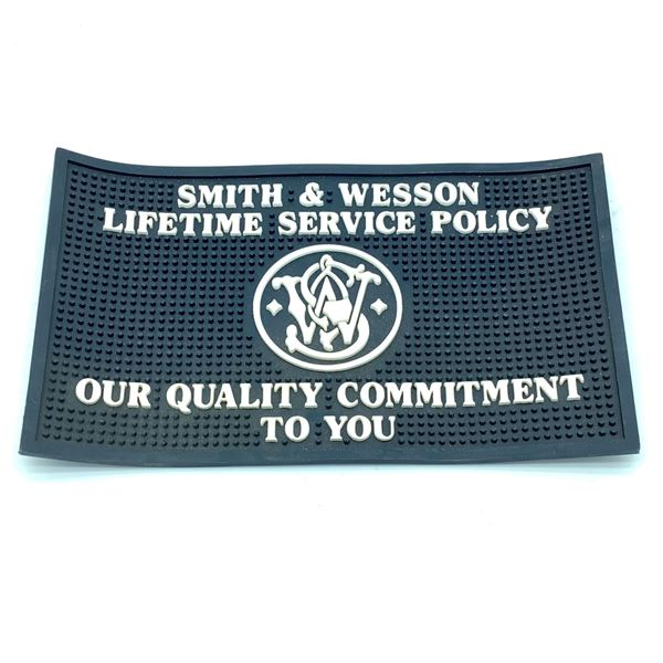 Smith and Wesson Pistol Mat