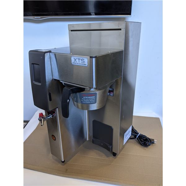 Fetco Coffee Brewer Model no. CBS-2131 XTS Extractor Touchscreen - working condition
