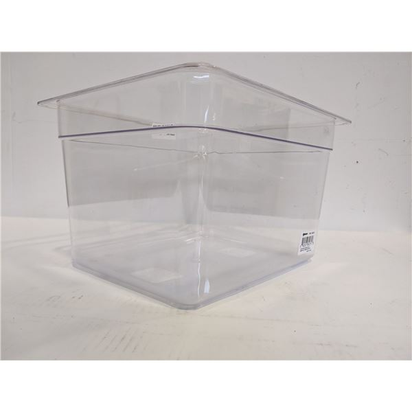 One 11.71L plastic food container