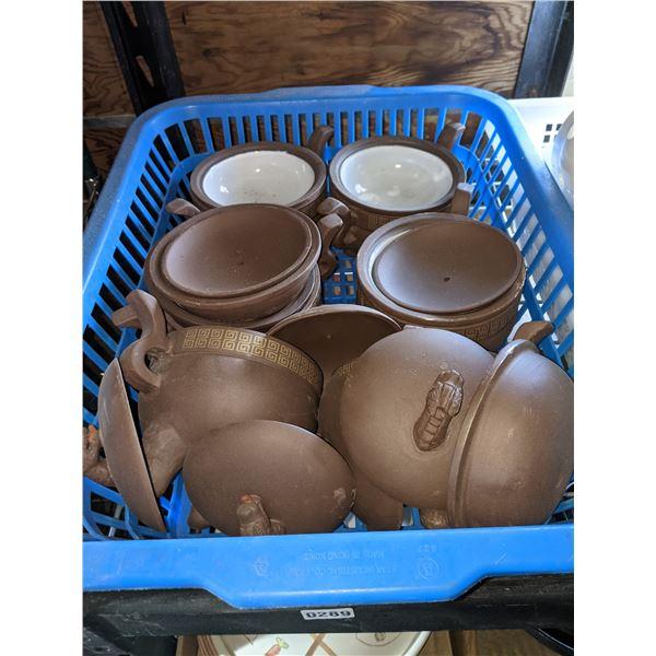 A set of 6 Serving Pots w/dragon lids