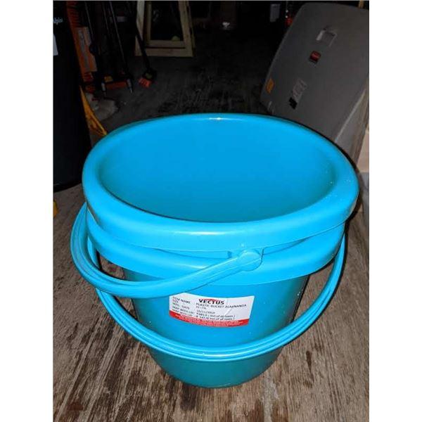 2 Plastic 25 litres buckets