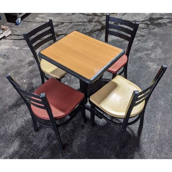 Small table w/four chairs