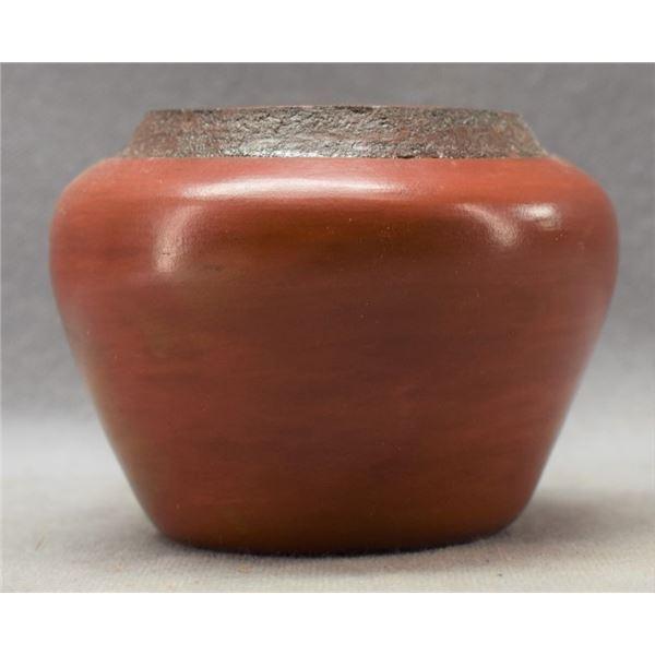 NAVAJO INDIAN POTTERY JAR (SUE WILLIAMS)