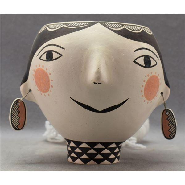ACOMA INDIAN POTTERY EFFIGY JAR (WANDA ARAGON)