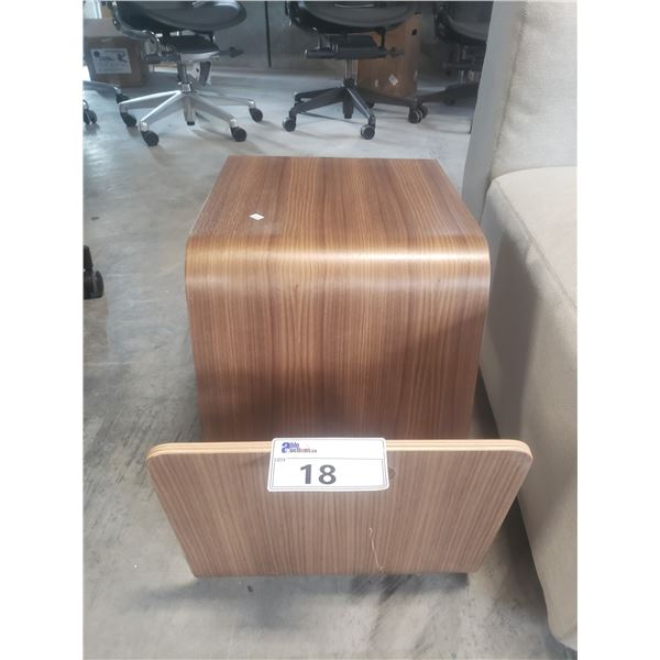 OFFI MAG TABLE WALNUT RETAIL PRICE $400 CAN. - SCRATCH ON FRONT