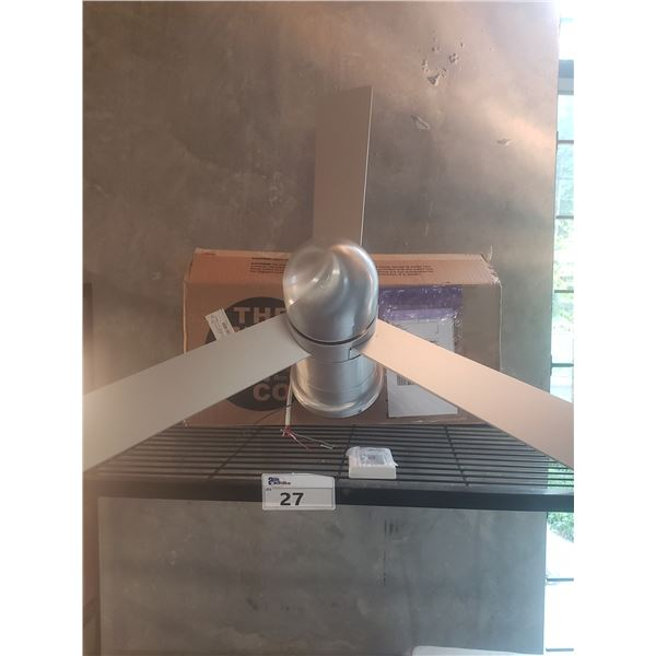 CIRRUS FLUSH DC STAINLESS STEEL CONTEMPORARY CEILING FAN RETAIL PRICE $545 CAN.