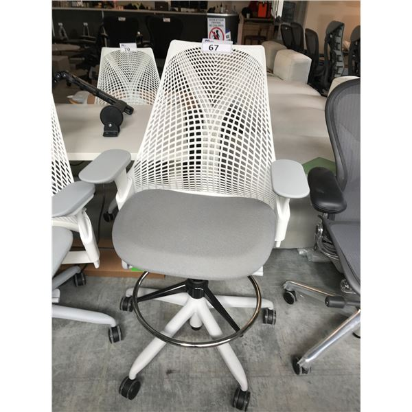 HERMAN MILLER SAYL SLATE/WHITE FULLY ADJUSTABLE PROGRAMMERS CHAIR  RETAIL PRICE $1275 CAN.