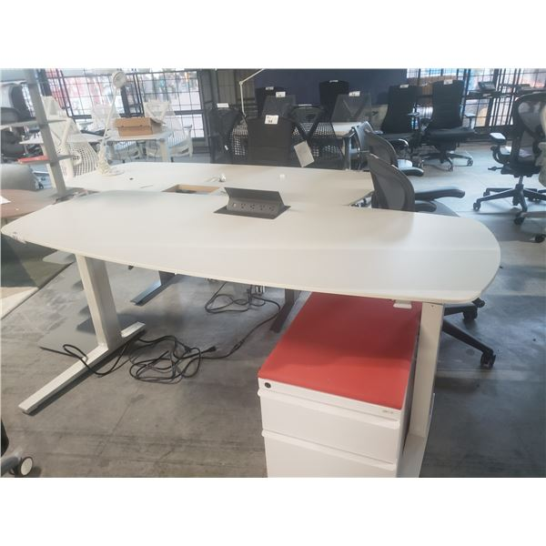 """HERMAN MILLER 72"""" X 30"""" SIT/STAND ELECTRIC COMPUTER TABLE RETAIL PRICE $1368 CAN"""