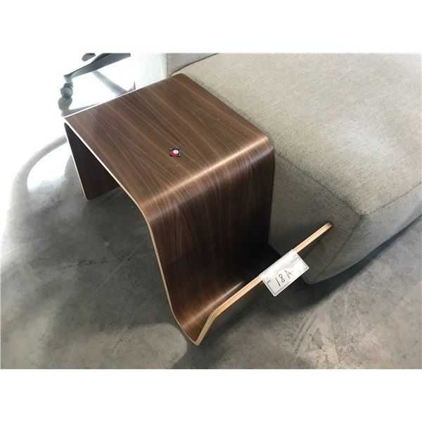 OFFI MAG TABLE WALNUT RETAIL PRICE $400 CAN