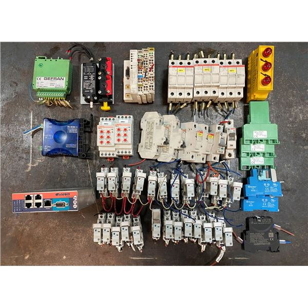 LOT OF MISC. ELECTRICAL ITEMS