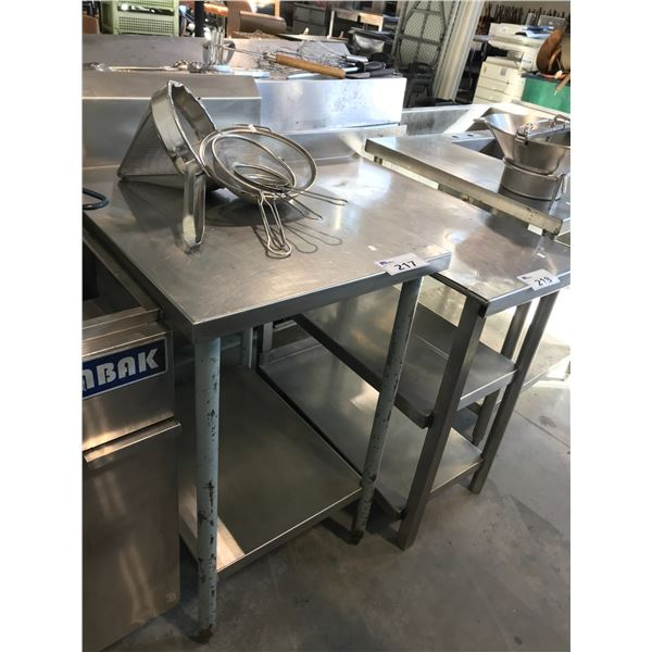 """STAINLESS STEEL 22""""W X 30""""D X 36"""" PREP TABLE"""