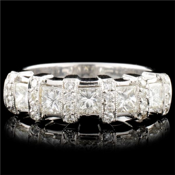 18K Gold 1.07ctw Diamond Ring