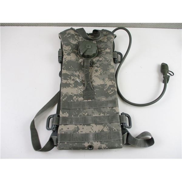 U.S.A. MOLLE II HYDRATION SYSTEM CARRIER