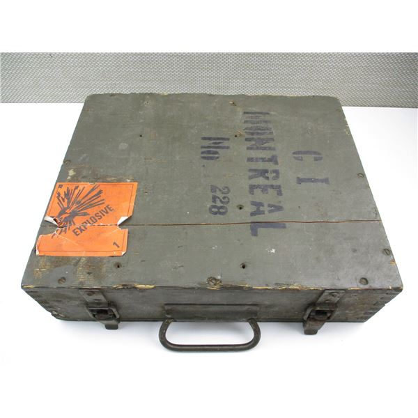 GREEN WOODEN MILITARY AMMO BOX