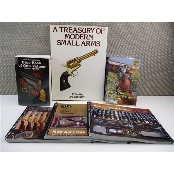 ASSORTED BOOKLETS/AUCTION CATALOGS