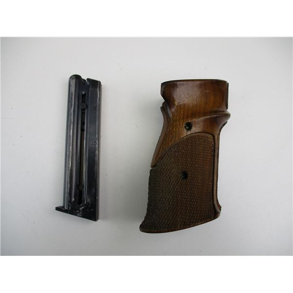 SMITH & WESSON MODEL 41 MAGAZINE + WOODEN PISTOL GRIPS