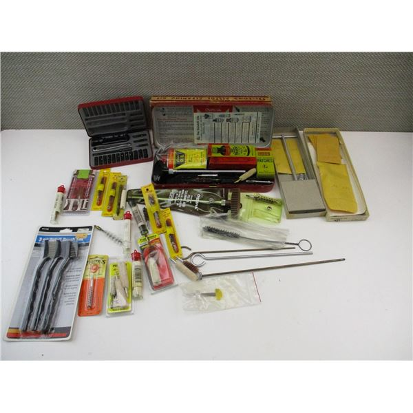 ASSORTED PISTOL & RIFLE CLEANING ACCESSORIES