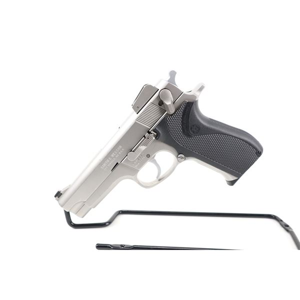 SMITH & WESSON  , MODEL: 5906 , CALIBER: 9MM