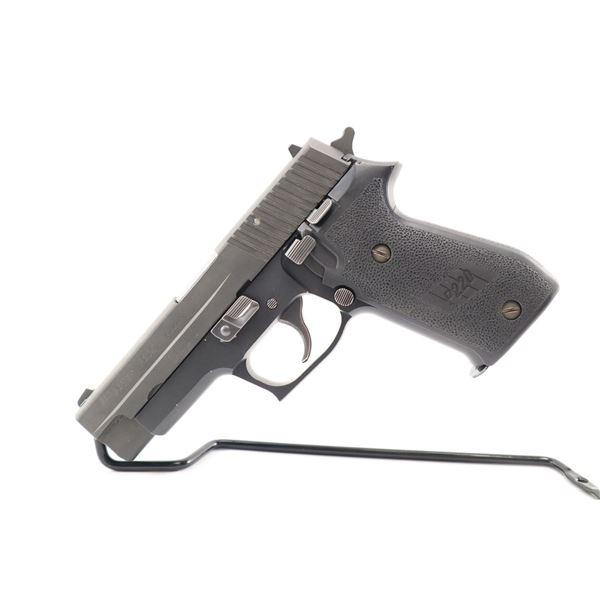 SIG SAUER , MODEL: P220 , CALIBER: 45 ACP