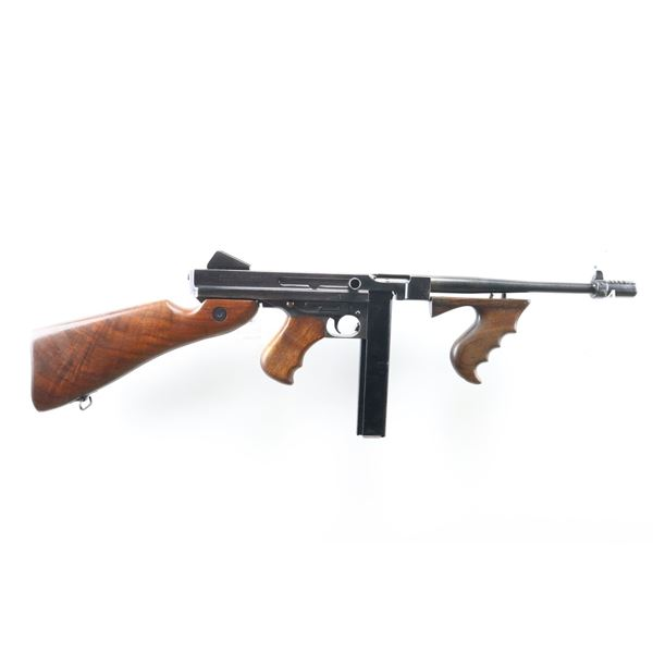THOMPSON  , MODEL: M1A1 , CALIBER: 45 ACP