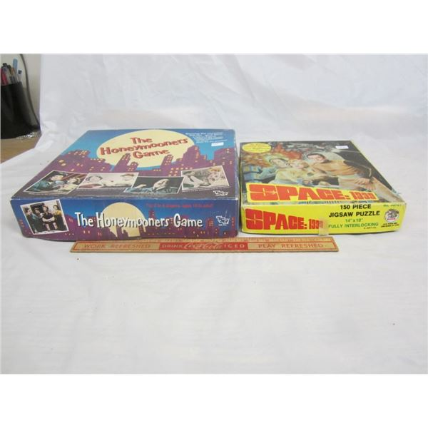SPACE 1999 PUZZLE AND HONEYMOONERS BOARD GAME