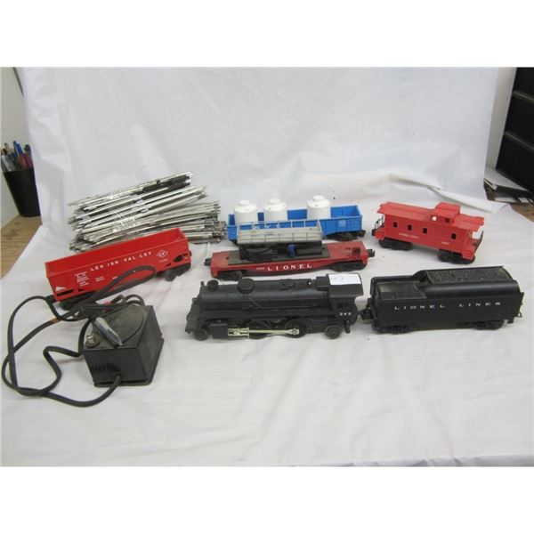 LIONEL TRAIN AND TRACKS SET NICE CONDITION 1950'S
