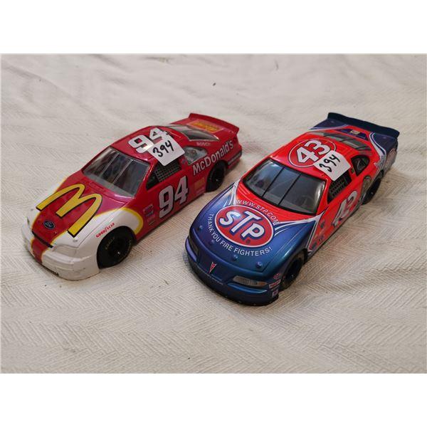 2 1:24 scale race cars