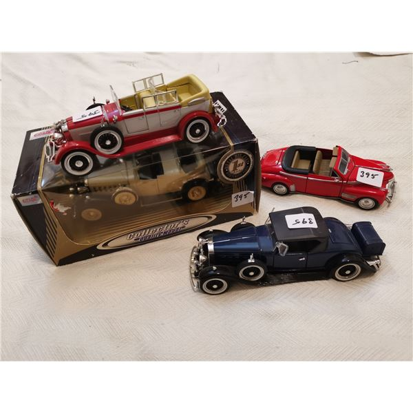 4 1:32 scale toys