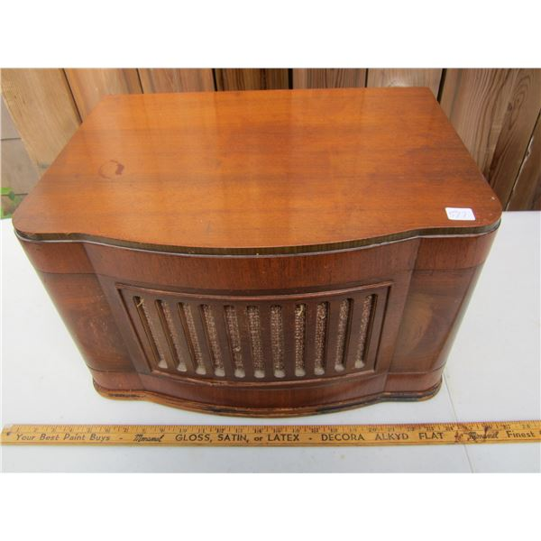 Antique Viking Turntable Radio in wooden cabinet