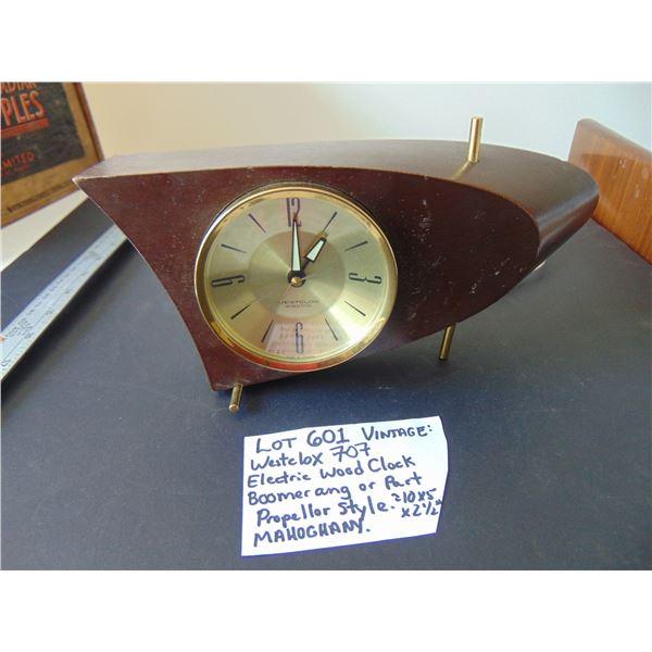 VINTAGE WESTCLOX 707 BOOMERANG WOOD ELECTRIC CLOCK