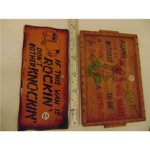 923 VINTAGE WOODEN COMIC WALL HANGING AND TRAY