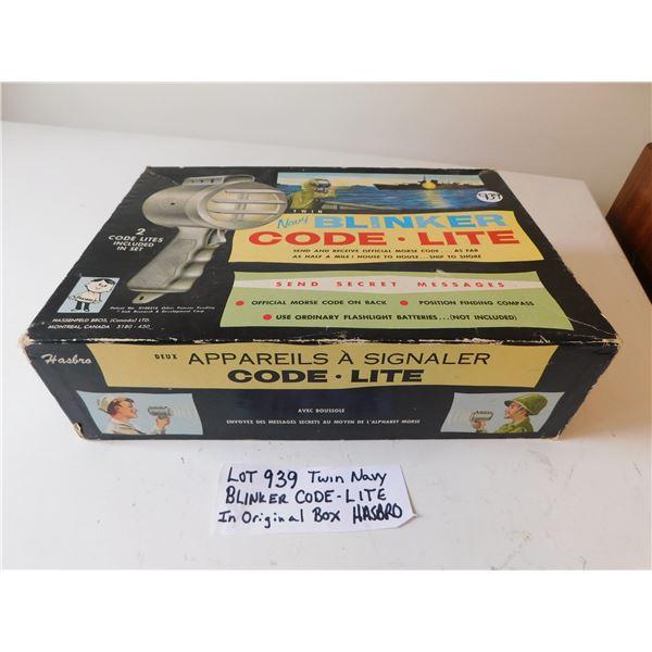 939 TWIN NAVY BLINKER CODE-LITE IN BOX