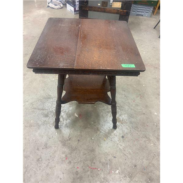Oak parlor table, original - 24 X 24 X 28 H