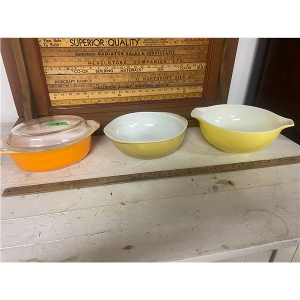 """3 Pyrex bowls 2 X 9"""" & 1 Oval with lid"""