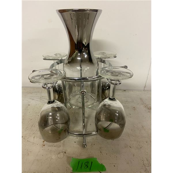 Art deco decanter 4 glasses and stand