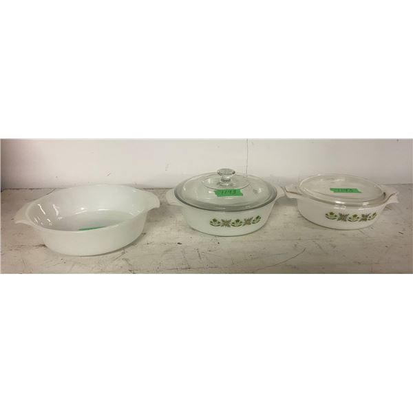 "3 fire king bowls with two lids fireking 2x 9"" 1x 8"""