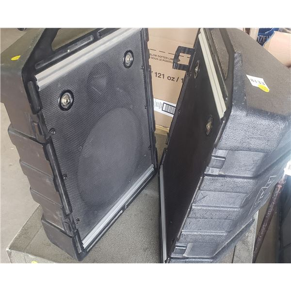 hard cased Peavey speakers commercial heavy duty  sound system parts