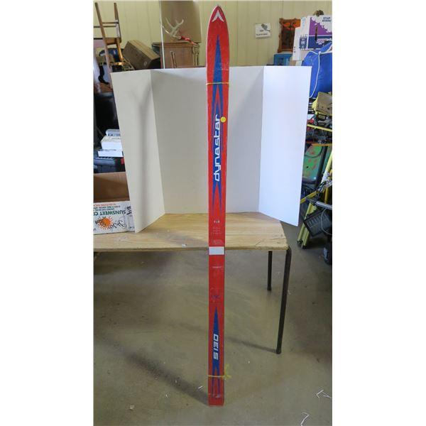 Downhill Skiis - Dynastar 170cm no bindings