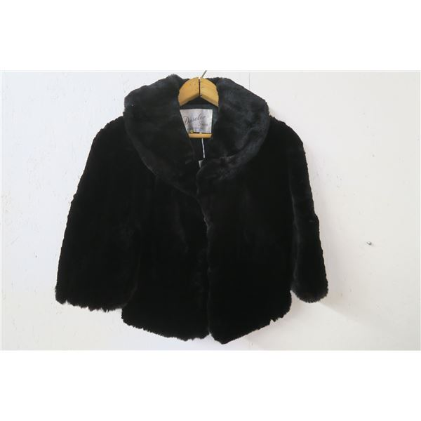 """Black sheared fur stole, labelled """"by Daselar Furs, Fort Wayne Indiana"""", med, very good condition"""