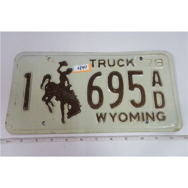 Wyoming 1978 Truck Plate 1-695 AD