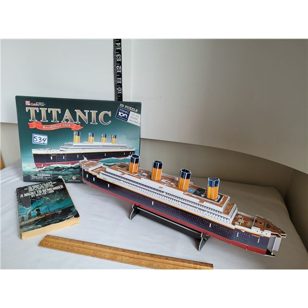 Titanic 3D puzzle & paperback novel by Walter Lord